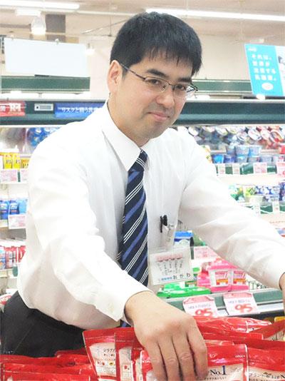 営業部 店舗運営部 新鮮市場大在店 店長 小川 直希